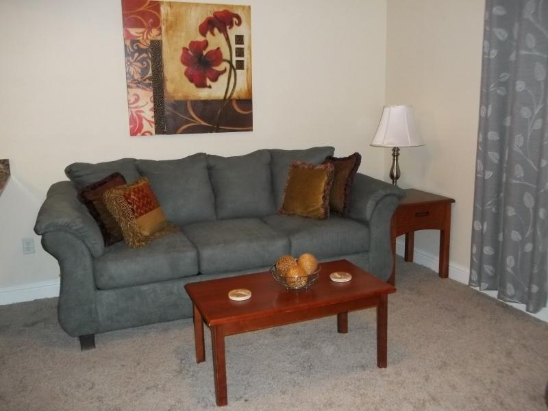 Living Room w/Queen Sofa Sleeper